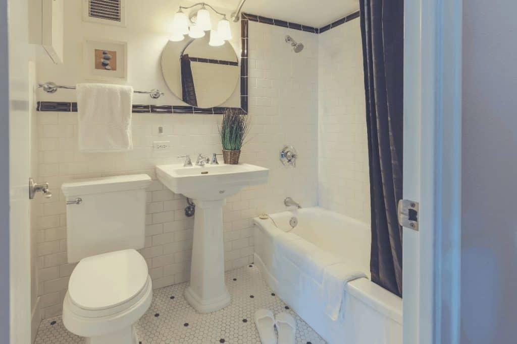 Beautiful Bathroom With Toilet Sink And Bathtub
